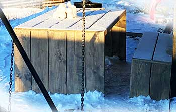 Utemøbler til hytte i Hafjell laget av Viken Sag Hafjell etter kundens ønsker. steinfnisboe@vikensag.no